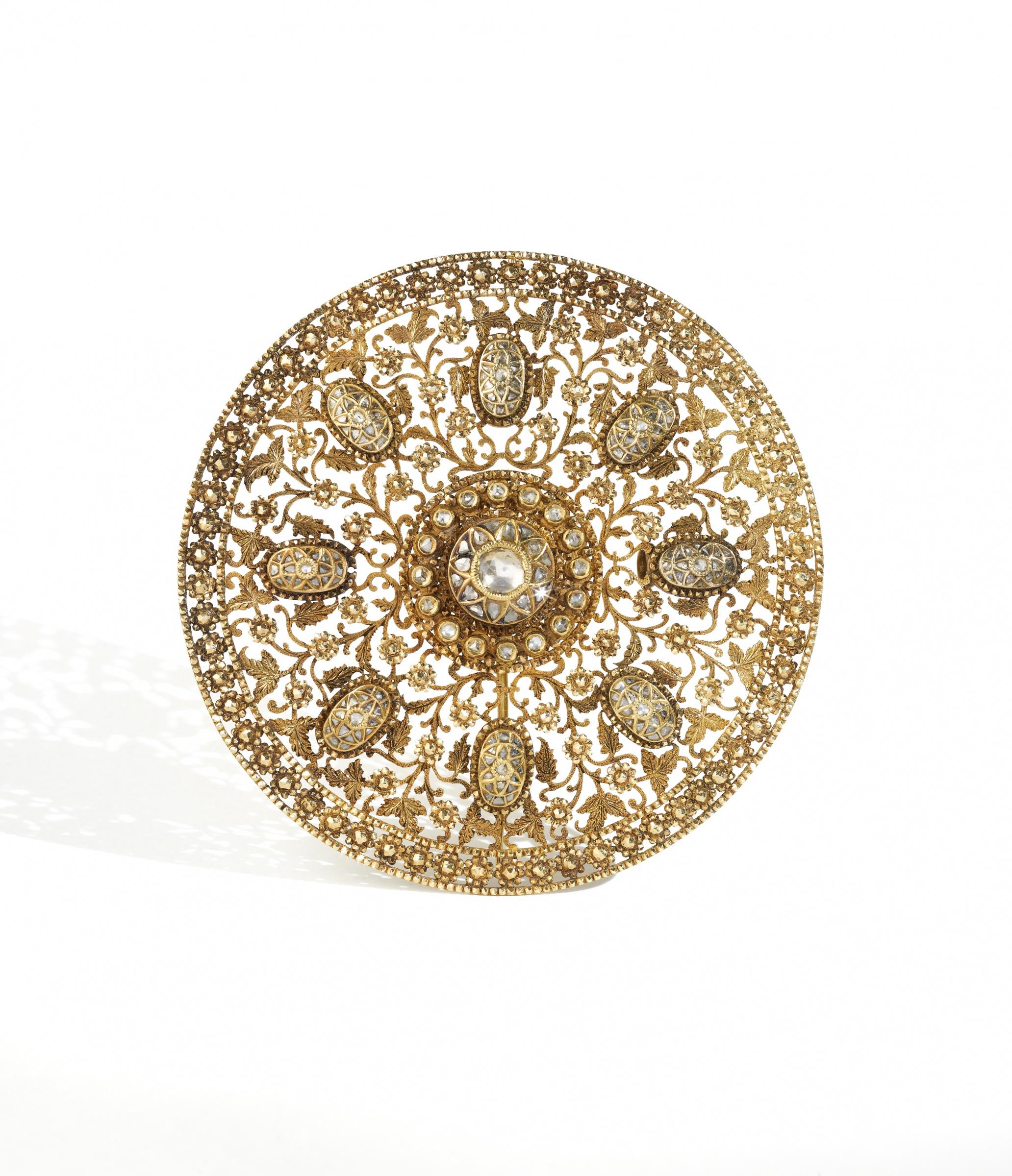 11._Gold_and_diamond_hair_ornament_ca_1900_Western_India.jpg-0aa7640