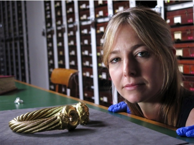 9333526-low_res-the-celts-blood-iron-and-sacrifice-with-alice-roberts-and-neil-oliver_0-aac9853