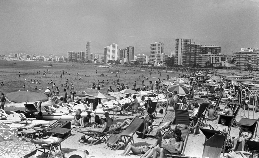 Benidorm 1964, when it was a small town that began to receive tourism, 1964, Benidorm, Alicante, Spain. (Photo by Gianni Ferrari/Cover/Getty Images).