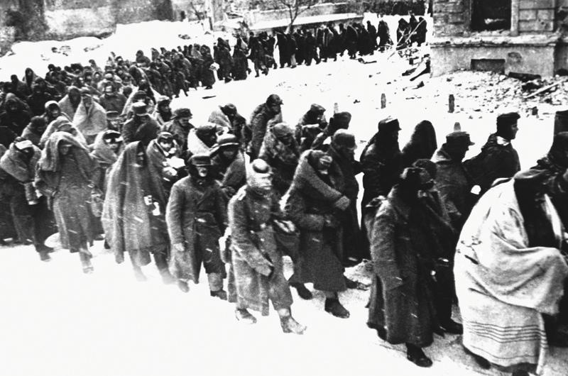 Images of German POWs in Stalingrad, 1943