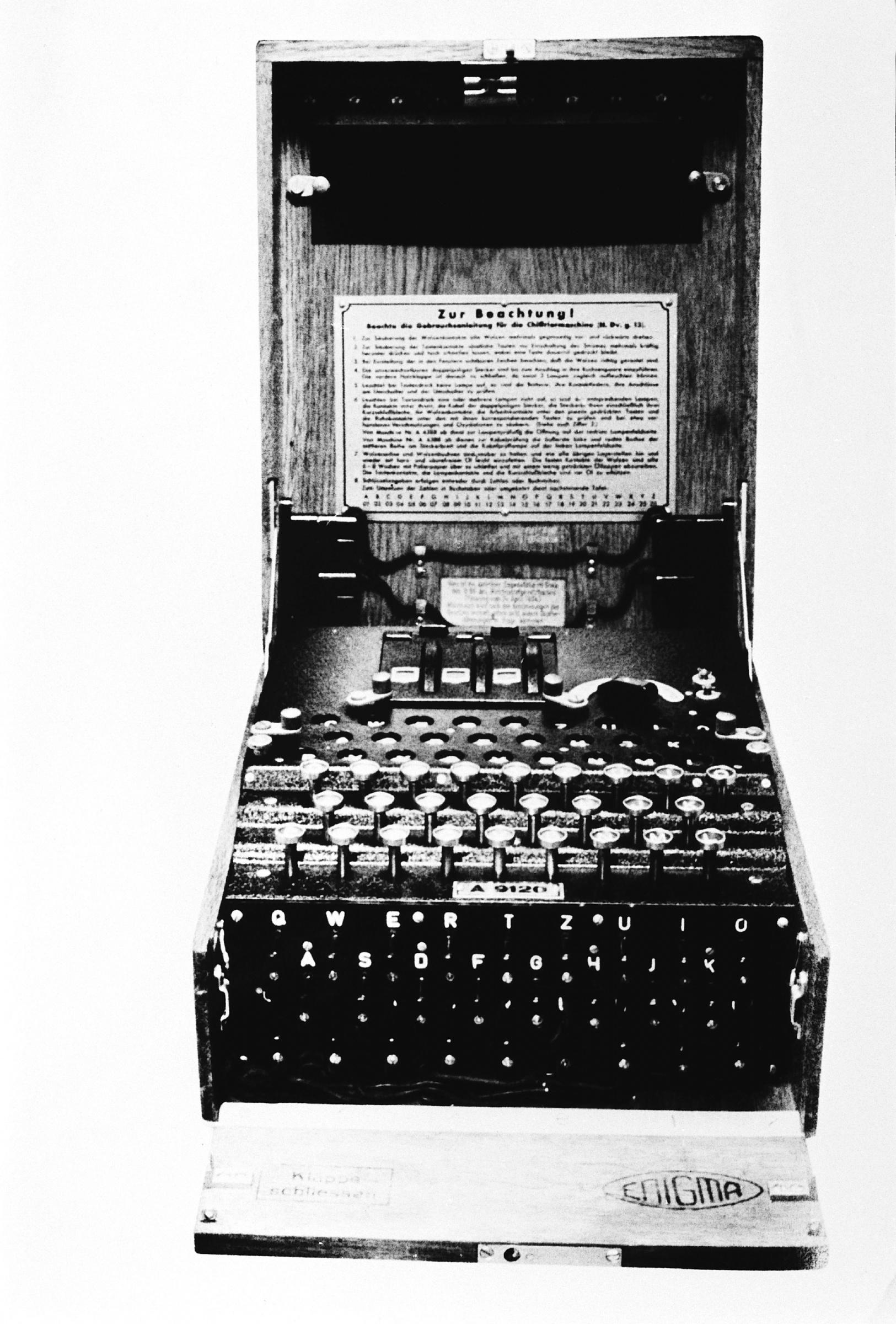 Enigma20machine-81d9553