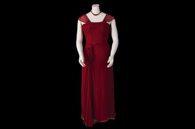 A 1940s evening dress. (© National Museums Liverpool)
