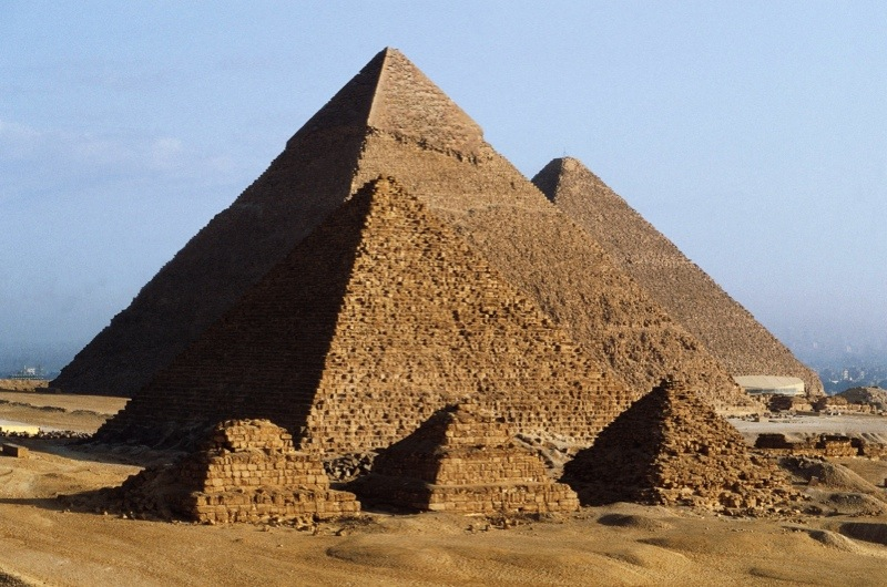 https://www.historyextra.com/period/ancient-egypt/ancient-egyptian-family-trees-are-present-day-egyptians-the-descendants-of-the-ancient-egyptians-who-built-the-pyramids/