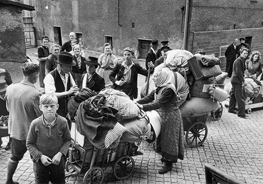 1951:  The last trickle of Germans leaves the Western Territories of Poland after their expulsion. Original Publication: Picture Post - 5272 - Western Poland -  unpub.  (Photo by Bert Hardy/Picture Post/Getty Images)