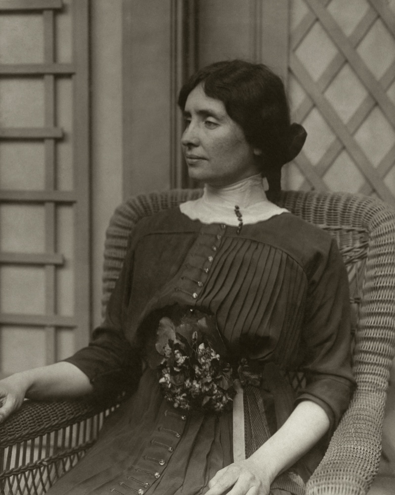 American author and activist, Helen Keller seated in a rattan chair, looking left *** Local Caption *** Helen Keller;