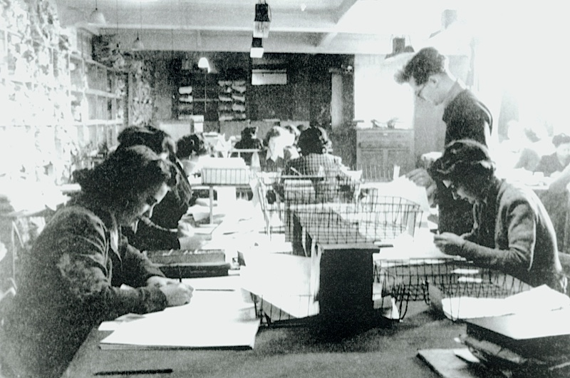 """Picture number: COM/B911216Description: A selection of images relating to code-breaking at Bletchley Park incliuding Wrens operating the Colussus, code-breaking personnel and the """"Colussus"""".Credit: Science Museum/Science & Society Picture LibraryAll images reproduced must have the correct credit line.  Clients who do not print a credit, or who print an incorrect credit, are charged a 100% surcharge on top of the relevant reproduction fee.  Storage of this image in digital archives is not permitted.  For furtherinformation contact the Science & Society Picture Library on (+44) 207 942 4400."""