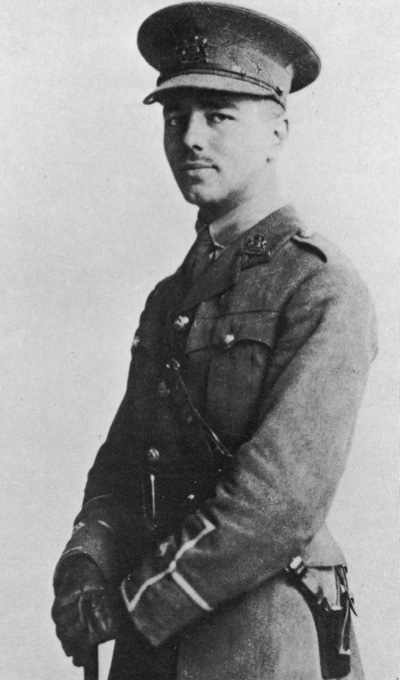 Portrait of Wilfred Owen wearing his military uniform in 1916
