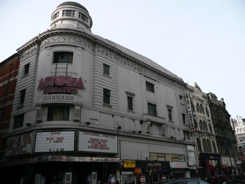 Gigs20-20astoria20front204-8fe1998