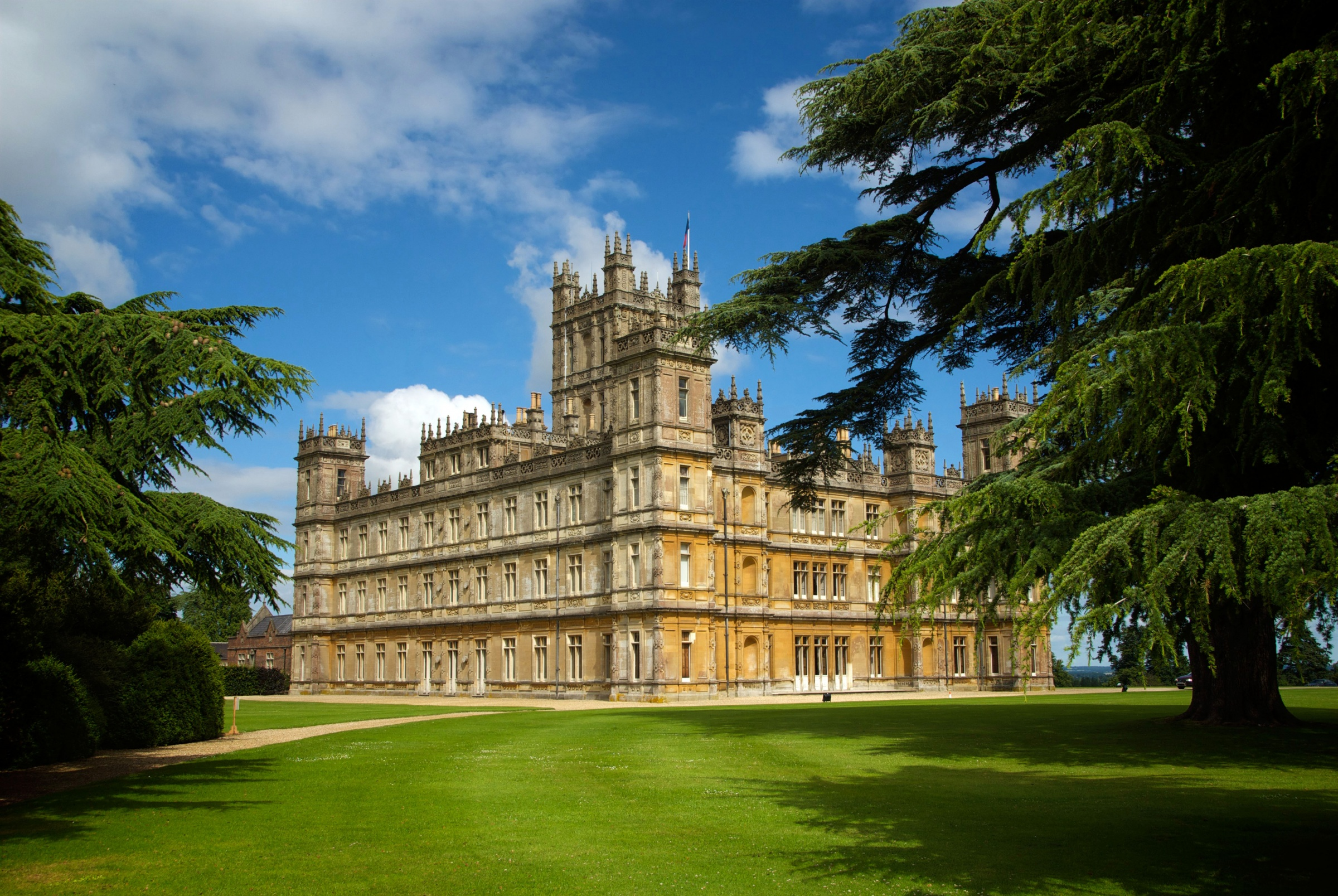 Highclere20Castle-86f9ea2