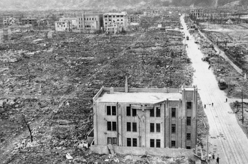 the us justification of dropping the atomic bomb Truman's decision to use the atomic bomb on hiroshima and nagasaki resulted   about whether the bombings were ethically justified, virtually all of america's   the hostility of the american public toward japan was even more intense and.