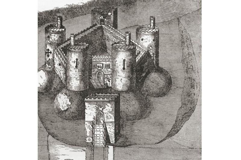 Holt-Castle-3-46e3a7a