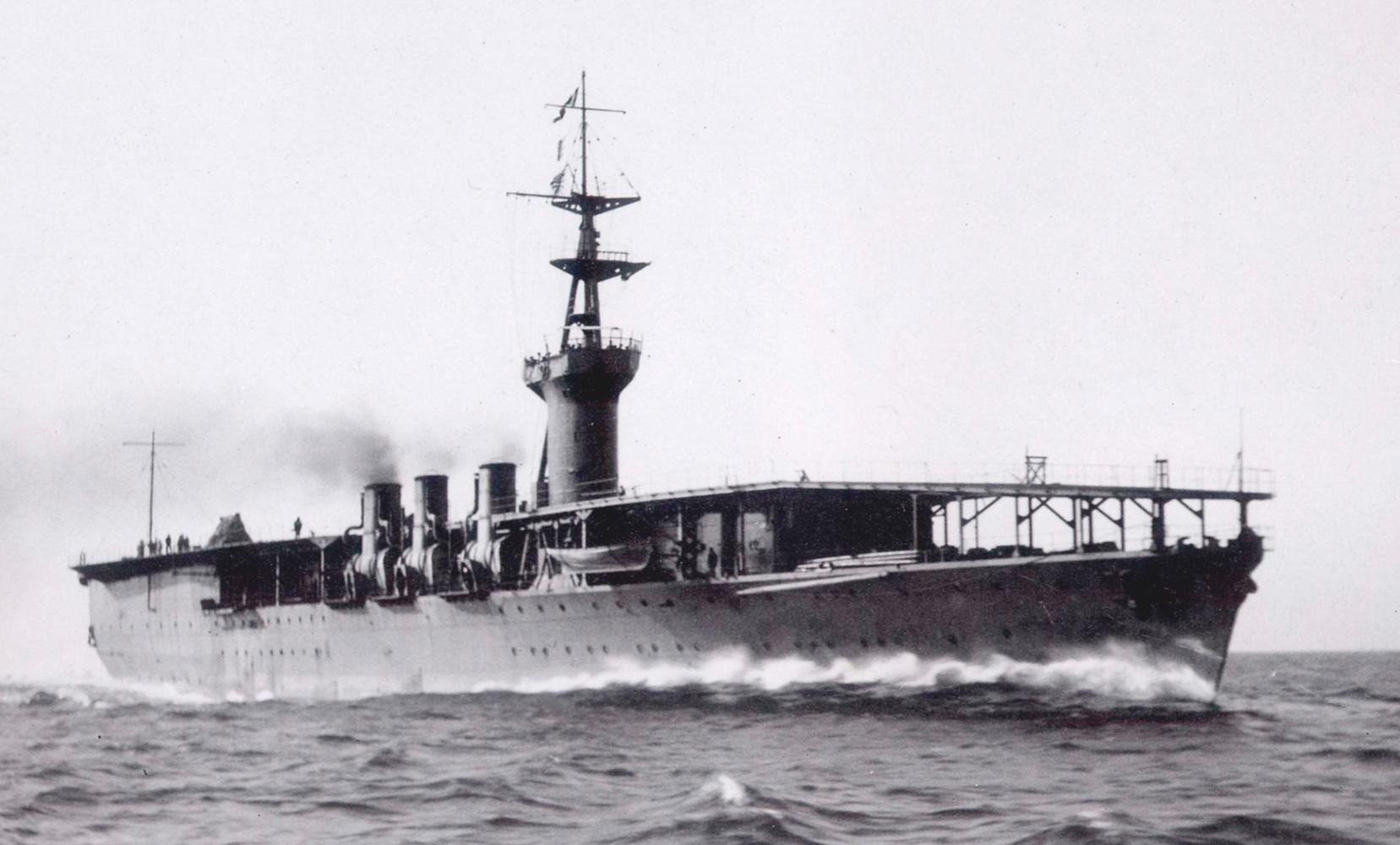 Japanese_aircraft_carrier_Hosho_1922_PUBLIC20DOMAIN_cmyk-fe39185
