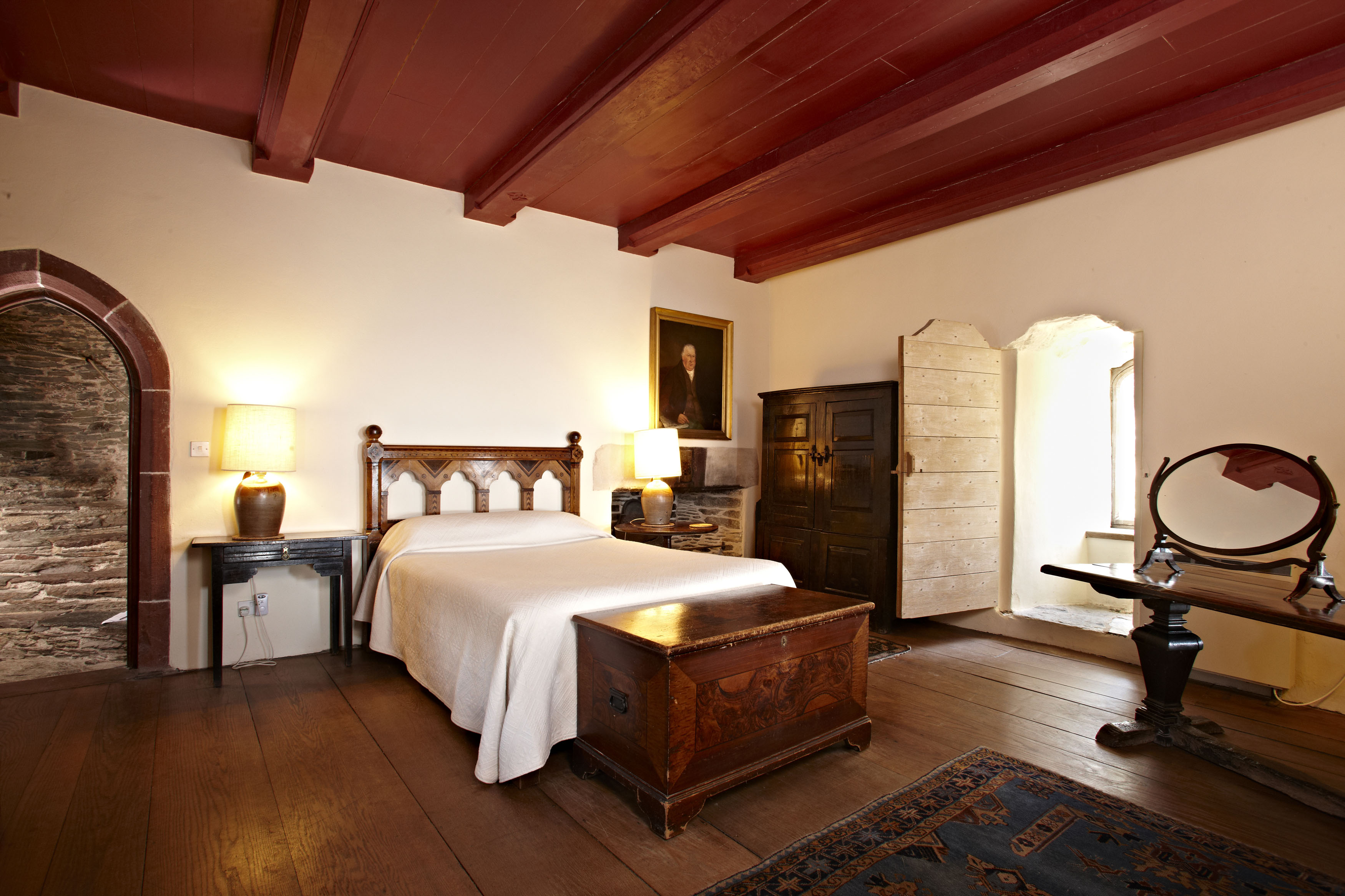 Kingswear-Castle-Bedroom-f71b8a0