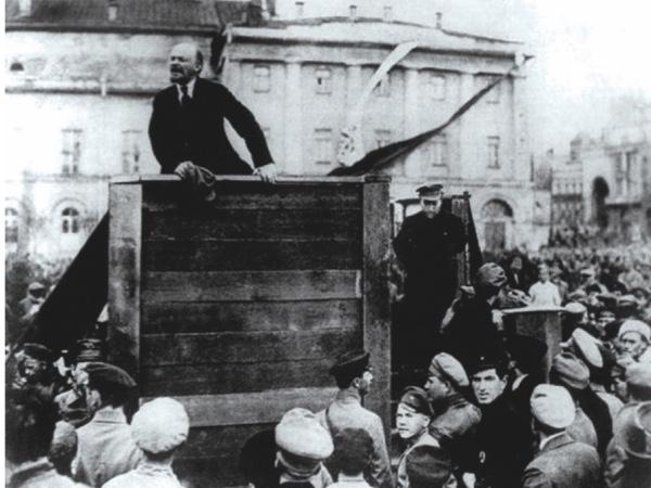 Lenin-Trotsky20after_sm202-33c207c