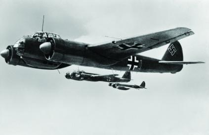 Luftwaffe-bomber-plane-1940_1_0-7aa17d7