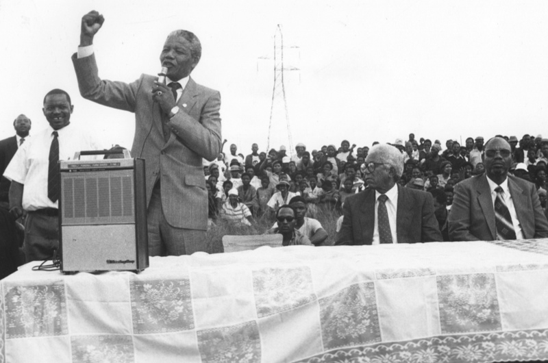Mandela-1990-rally_0-3aaeffe