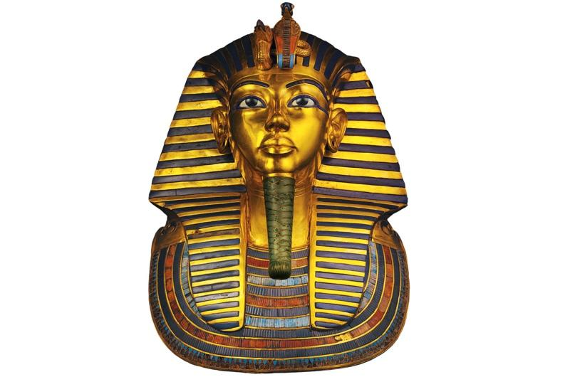 The 11kg mask depicts an idealised portrait of the young king. The Egyptians thought that the flesh of gods was made of gold, and so fittingly used this metal to create the mask. The eyes were made of quartz.