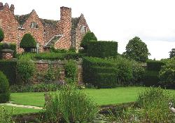Peover-Hall-and-gardens-3-6410af5