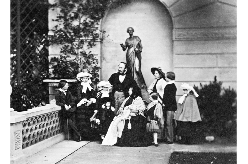 Queen Victoria with children