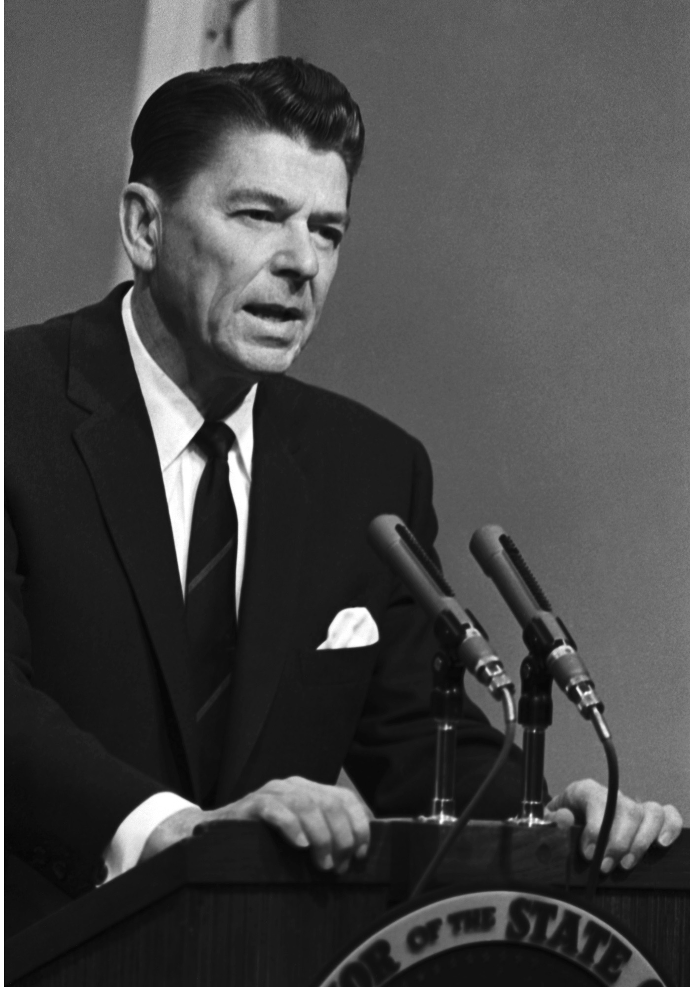 Ronald Reagan takes the oath of office as California governor, 1967. (Photo by Bettmann/Getty Images)