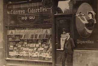 Rudis-father-outside-his-shop-in-Berlin1270b-b81958c
