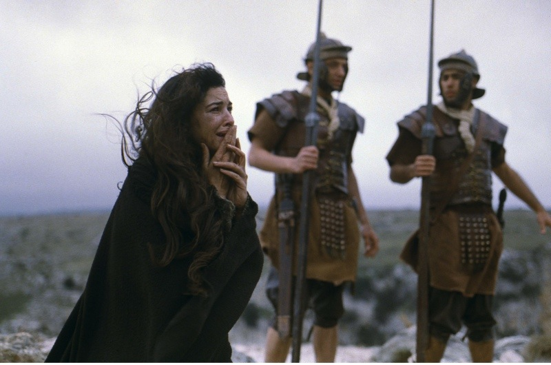 The Passion of the Christ (2004) starring Monica Bellucci as Mary Magdalene. ( Moviestore collection Ltd / Alamy Stock Photo)
