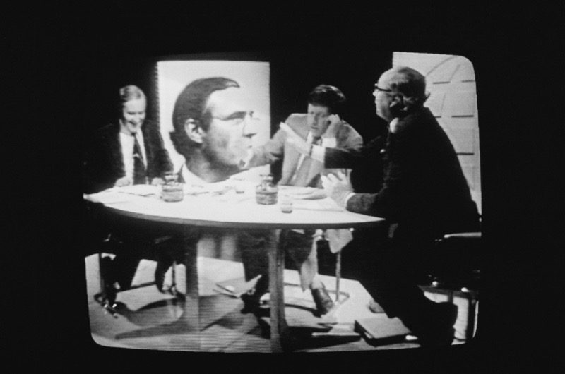 British Labour politicians Tony Benn (left) and Roy Jenkins (1920 - 2003, right), debate the European Economic Community (EEC), with presenter David Dimbleby on a BBC Panorama Referendum Special, London, 2nd June 1975. The referendum is intended to gauge support in Britain for continued membership of the EEC. Benn is campaigning against membership, Jenkins, for. (Photo by Chris Djukanovic/Evening Standard/Hulton Archive/Getty Images)