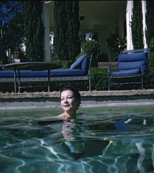 Vivien20Leigh20Swimming_0-5eb33fd