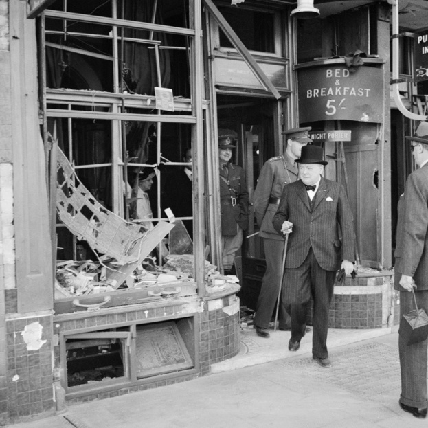 Winston20Churchill20inspects20bomb20damage20caused20by20Luftwaffe20night20raids20in20Ramsgate2C20Kent2C20England20on202820August201940_0-440087d