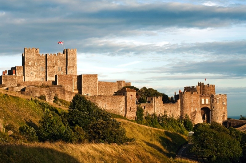 DOVER, UNITED KINGDOM - 2009/07/19: The medieval castle in the English county of Kent. (Photo by Olaf Protze/LightRocket via Getty Images)