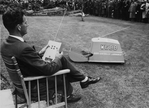 radio-controlled-lawnmower-1959_0-514c556