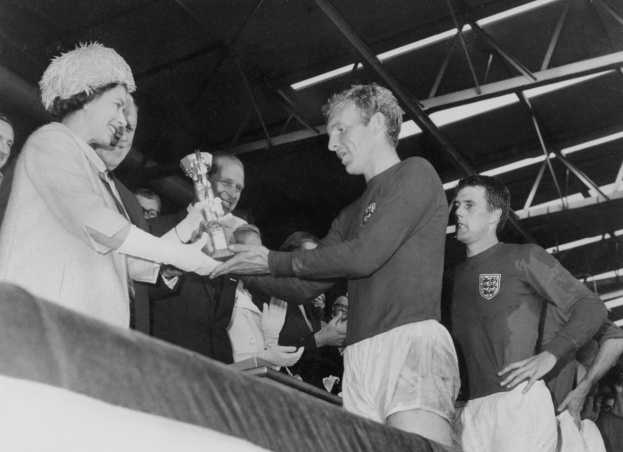 the-queen-world-cup-1966_0-7956c77