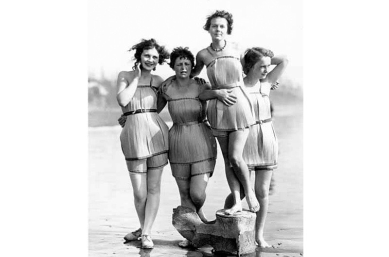wooden-bathing-suits-1929-4559264