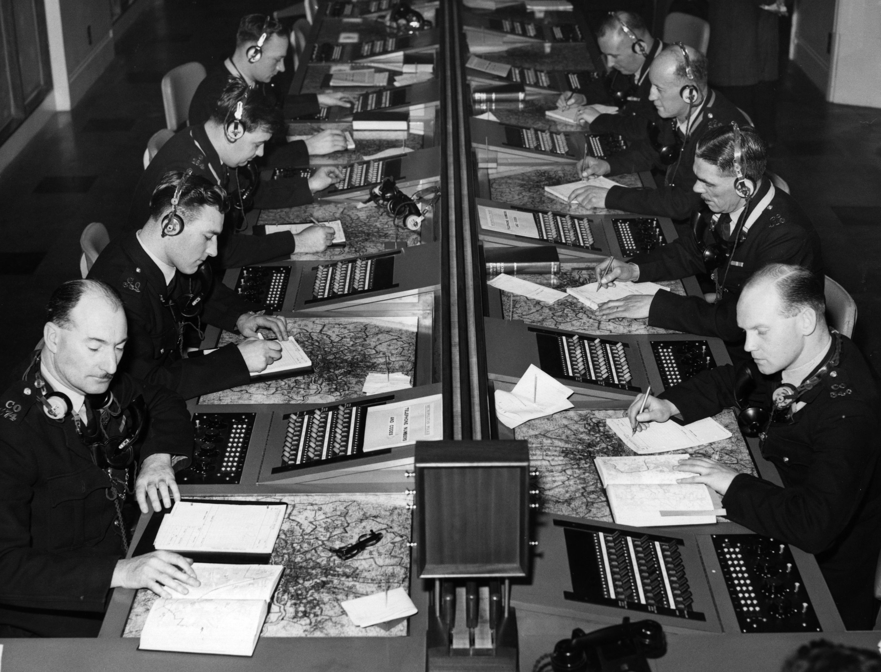 Operators dealing with emergency calls at New Scotland Yard, London, c1956. (Photo by Reg Speller/Getty Images)