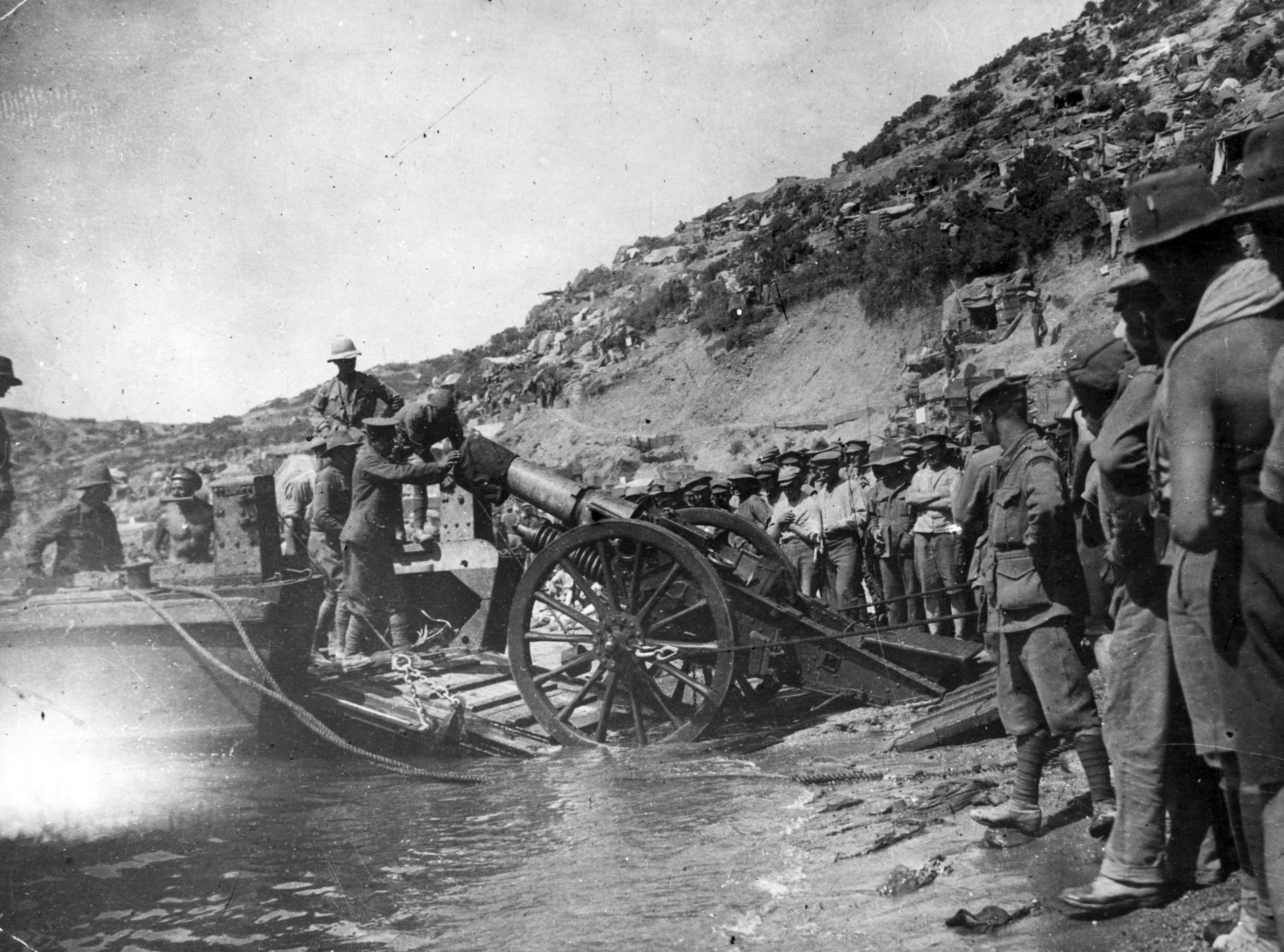 """Troops pictured during the Gallipoli campaign of the First World War. The attempt by the allies to seize the Gallipoli peninsula """"failed in a welter of hubris, blood and suffering,"""" says Peter Hart. (Photo by Hulton Archive/Getty Images)"""