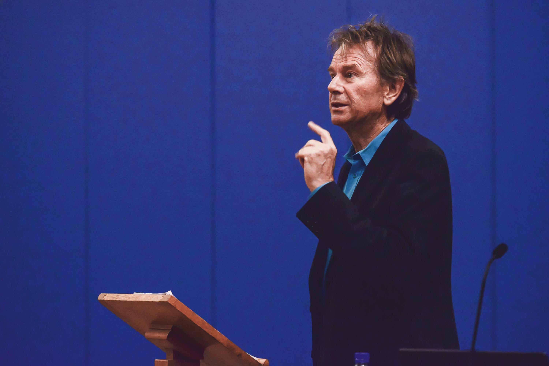 Michael Wood speaking at the York History Weekend 2017.