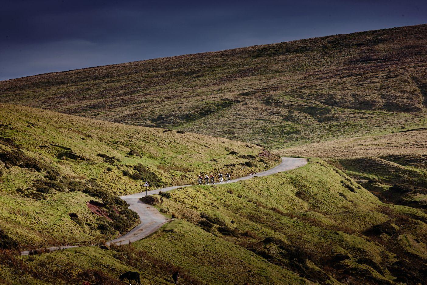 Cycling Plus test six £1000 road bikes