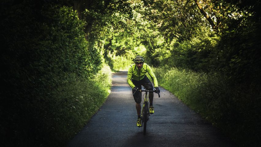 Guy Kesteven riding a Kinesis Tripster AT