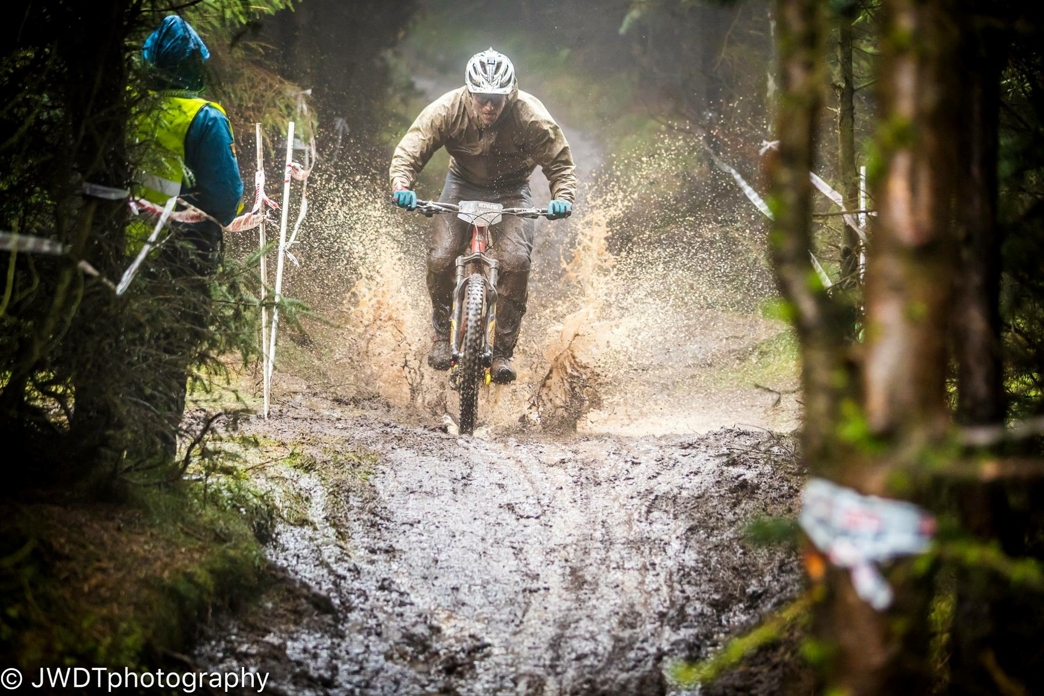 Ard-Moors-Enduro-mud-splash