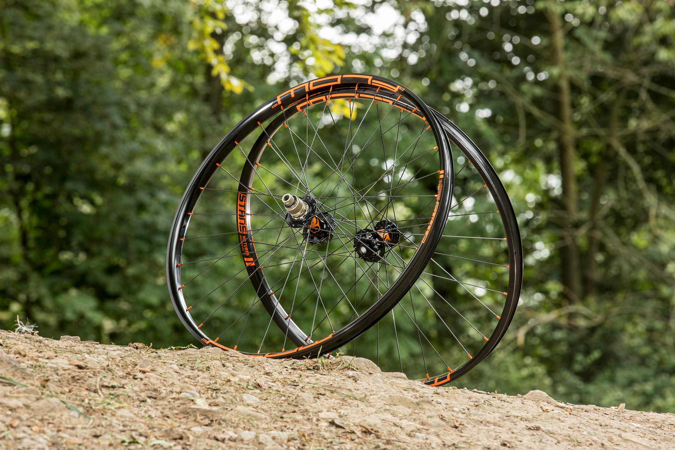 JRA's Stan's NoTubes Flow MK3 Traildog wheels are impeccably hand-built, dynamic and durable trail wheels at a killer price